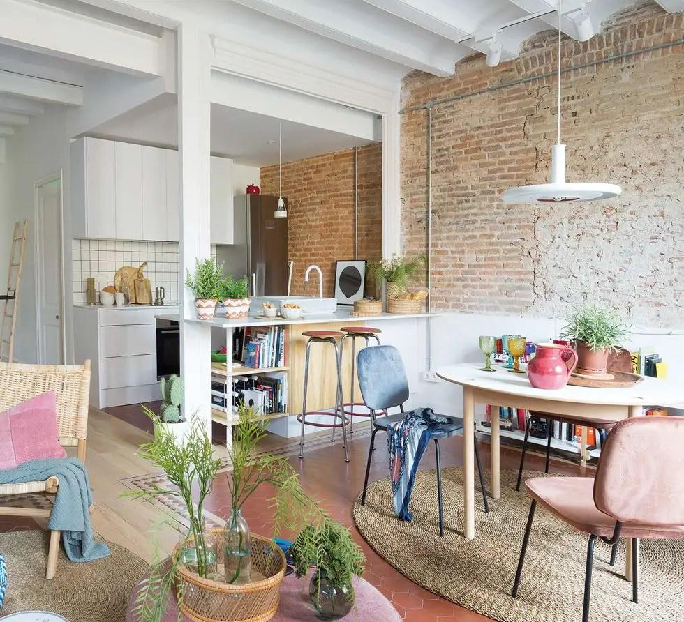 La rénovation de cet appartement de 80m2 a respecté ses racines anciennes