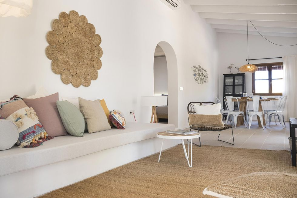 Une maison avec piscine à la décoration bohème à Formentera - PLANETE DECO a homes world