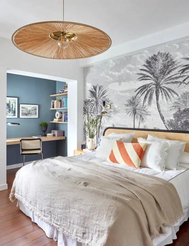 ameublement chambre avec tête de lit cannage