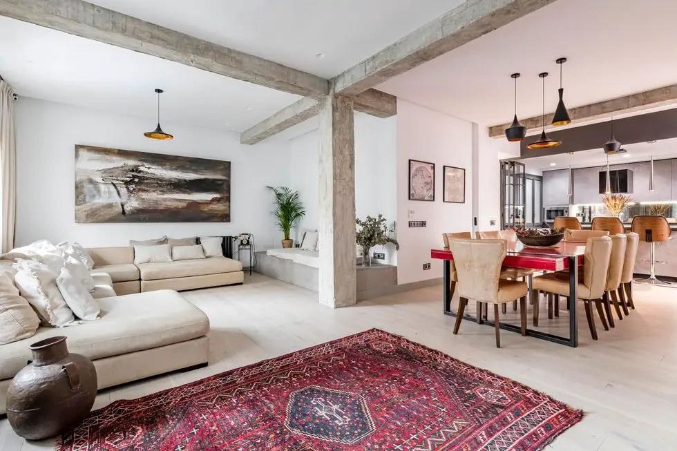 Un appartement plein de souvenirs du monde entier - PLANETE DECO a homes world