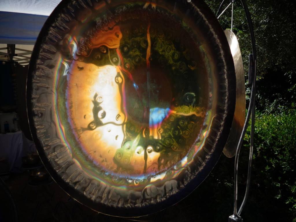 Le bain de gongs
