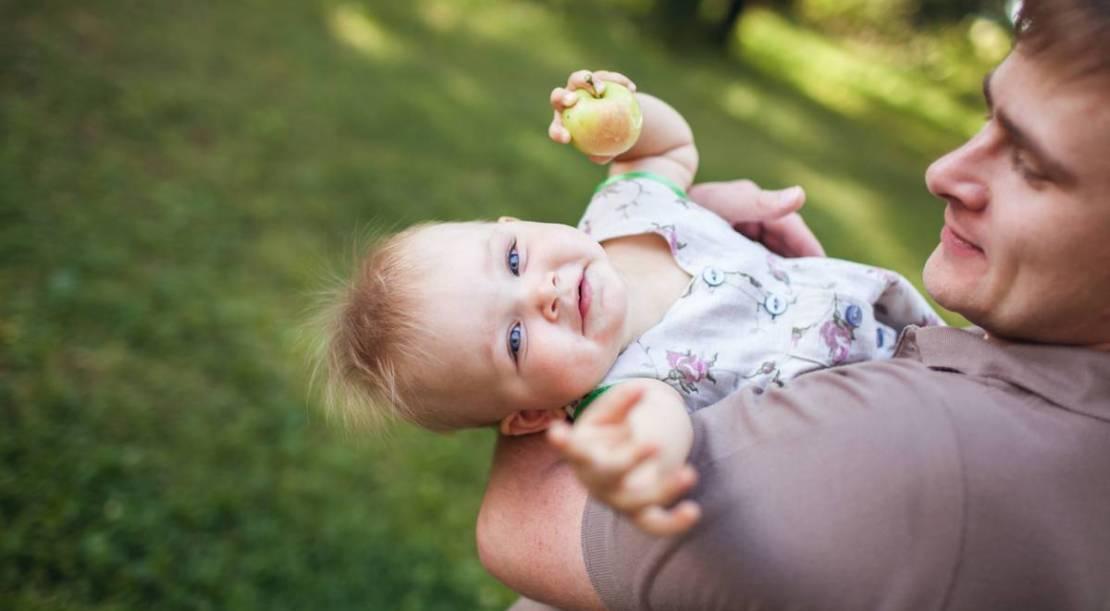Papa seul avec bébé