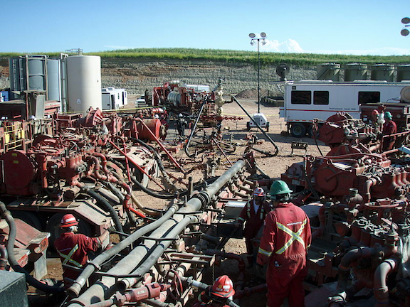 Hydraulic fracturing operation. (Image Credit: Creative Commons)