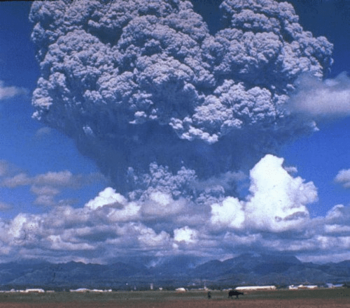 The 1991 eruption of Mount Pinatubo in the Philippines (Source: Creative Commons)