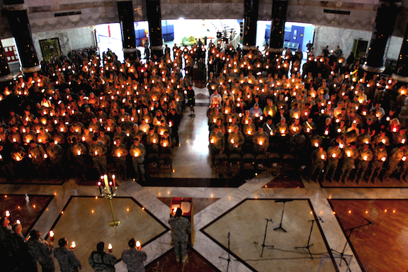 A Christmas Eve candlelight service in Baghdad, Iraq. (Image Credit: U.S. Army / Flickr)