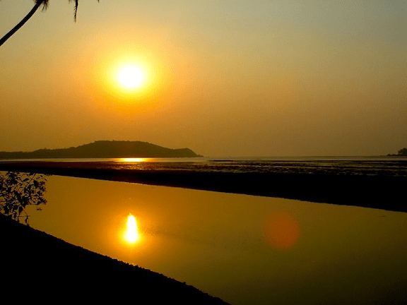 Sun over the Indian state of Goa. (Image Credit: WikiMedia Commons)