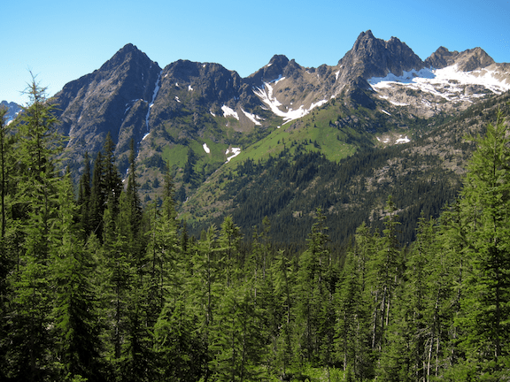 The Cascade Mountains seen from the Okanogan National Forest. (Photo Credit: Miguel Vieira / Flickr)