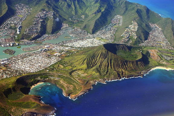 Oahu, home to two-thirds of Hawaii's population. (Photo Credit: BrockenInaGlory / WikiMedia Commons)