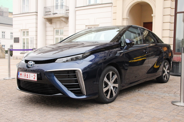 Toyota Mirai, a hydrogen fuel-cell vehicle, in Warsaw, Poland, 2015. (Photo Credit: Michael Setlak / WikiMedia Commons)