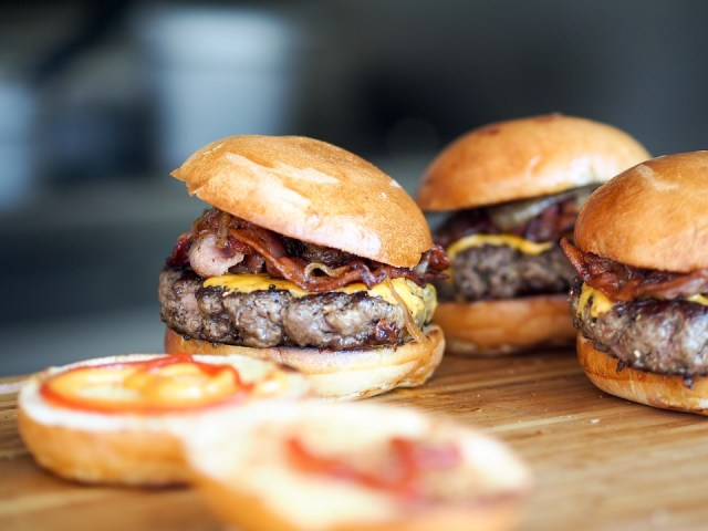 Bacon cheeseburgers. (Photo Credit: Pixabay)
