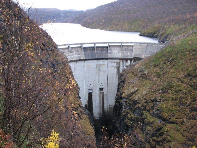 Alta dam is one of the 937 hydropower stations that provide 98 percent of Norway's power. (Photo Credit: Rehro via WikiMedia Commons)