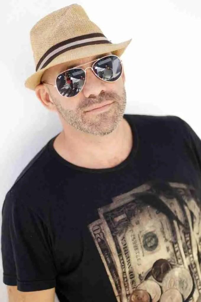 Giles Brown - Jounalist in Marbella, Malaga, Spain