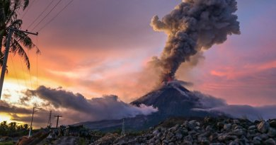 Mayon volcano eruption sparks Philippine tourism boom