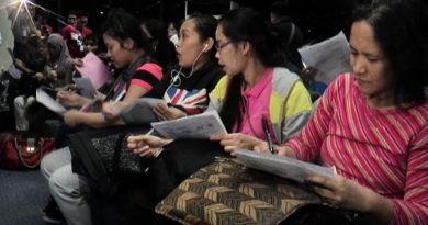 Duterte signs OFW Handbook bill