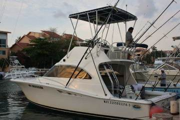 my obsession Puerto Aventuras fishing with Captain Rick