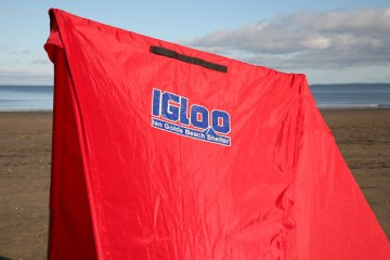Ian Golds Igloo beach shelter side