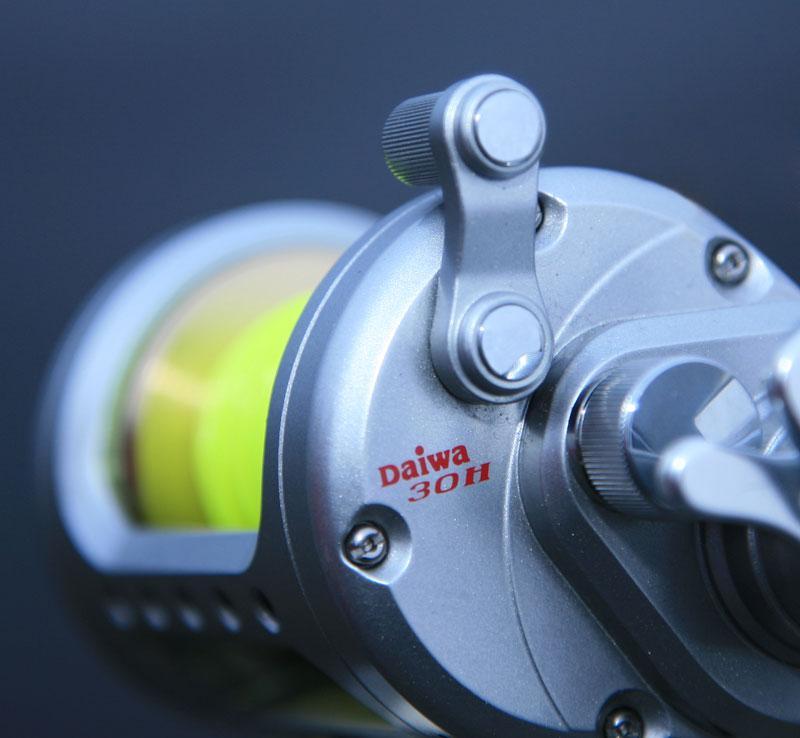 Daiwa Saltist STT30H reel free spool release