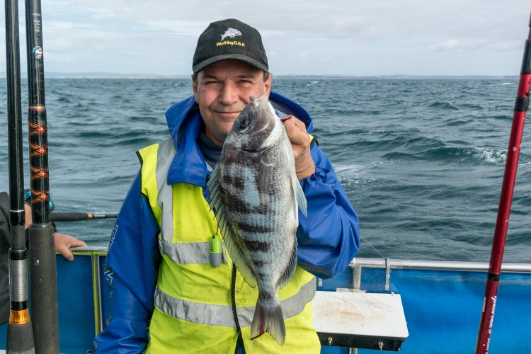 Andy Smith with the heaviest black bream