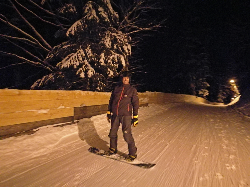 snowboard-at-night