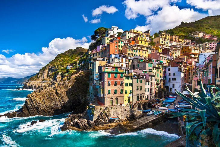 15 Best Places to Visit in Italy   PlanetWare The Cinque Terre