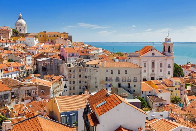 Lisbon's Romantic Kasbah Of Alfama