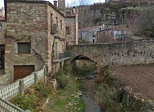 Puente de Anguita sobre el Tajuña