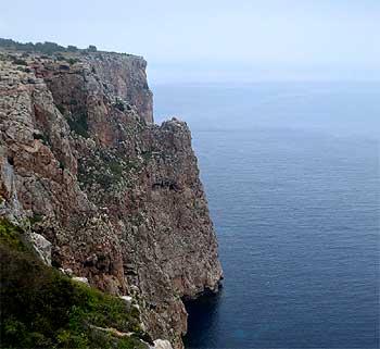 Acantilados Pilar de la Mola