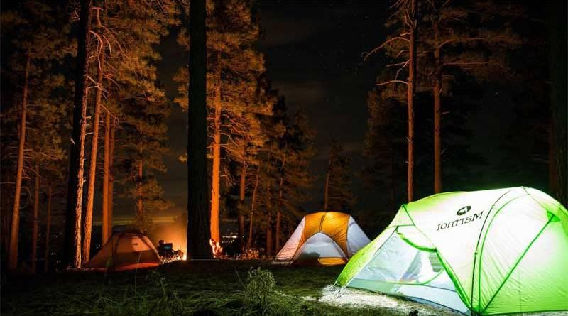 Qué llevar en la mochila para una acampada