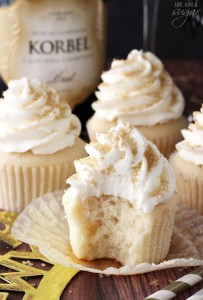 wedding trend champagne cupcakes