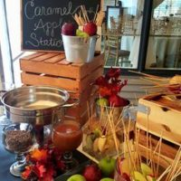 caramel apple bar wedding