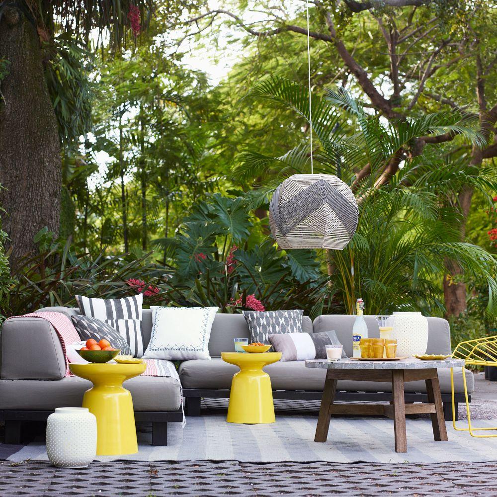 Bright Backyard Decor on Backyard Decor Ideas  id=40150