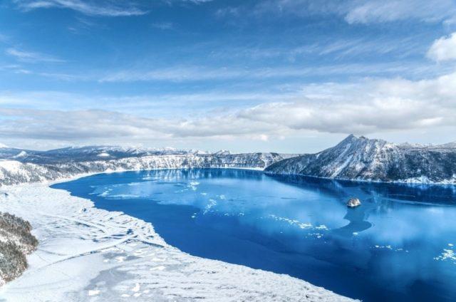 lake-mashu-winter-blue