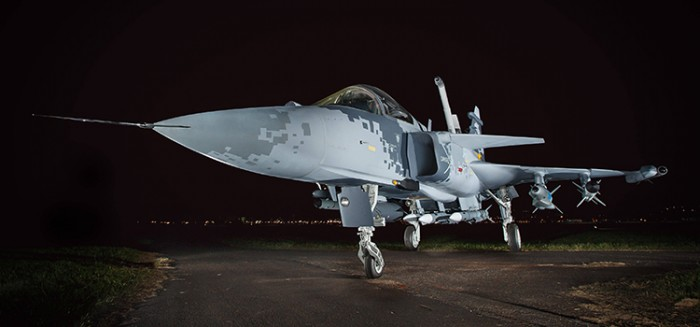 Maquete em tamanho real do Gripen NG exposta na Esplanada dos Ministérios.