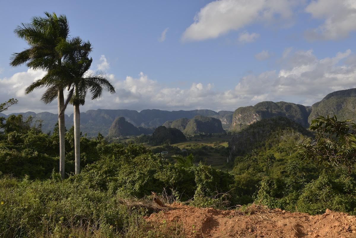 Vinales Valley, Cuba - Limestone Mogotes   Plan South America
