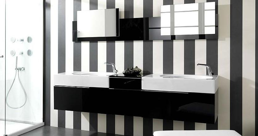 salle de bains en noir et blanc