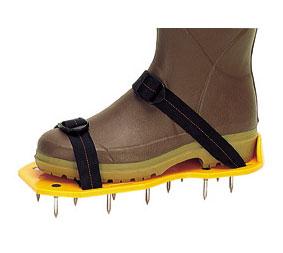 Oxigena el suelo con zapatillas con clavos