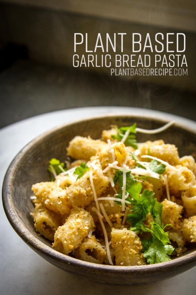Pinterest image for garlic bread pasta.