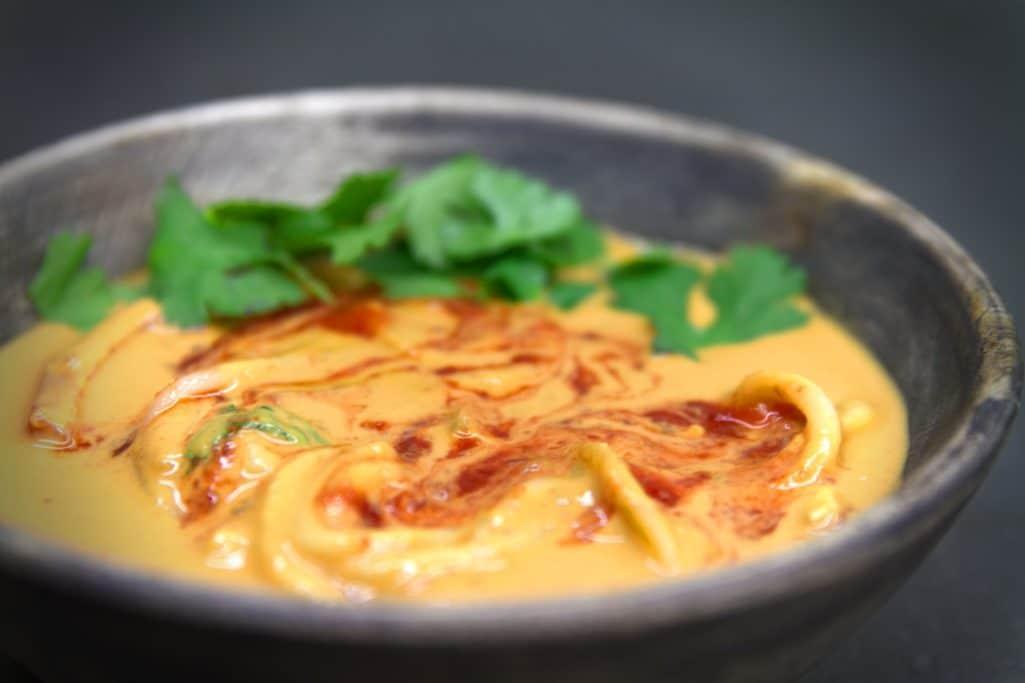 Easy oil free vegan recipe for thai peanut noodle soup.