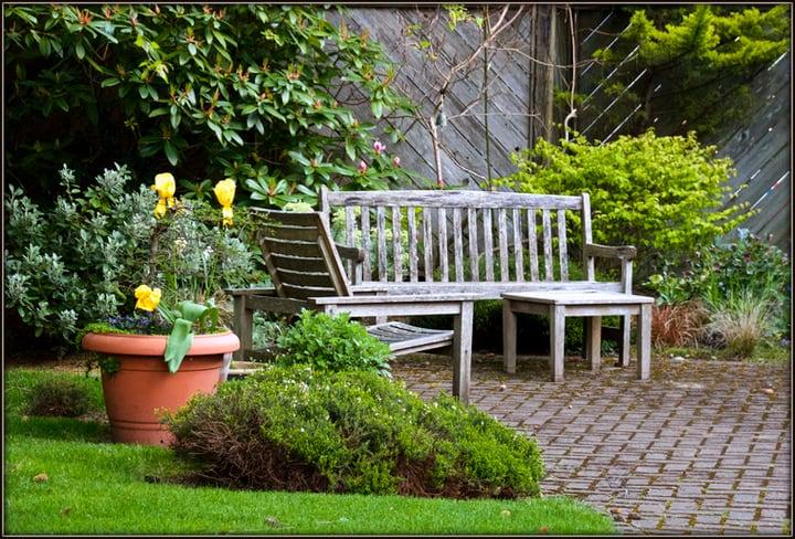 15 Great Garden Bench Ideas And Designs For Your Garden