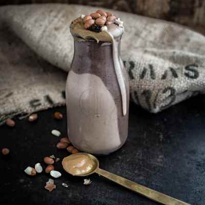 The Saga continues: mein veganer Snickers Milchshake
