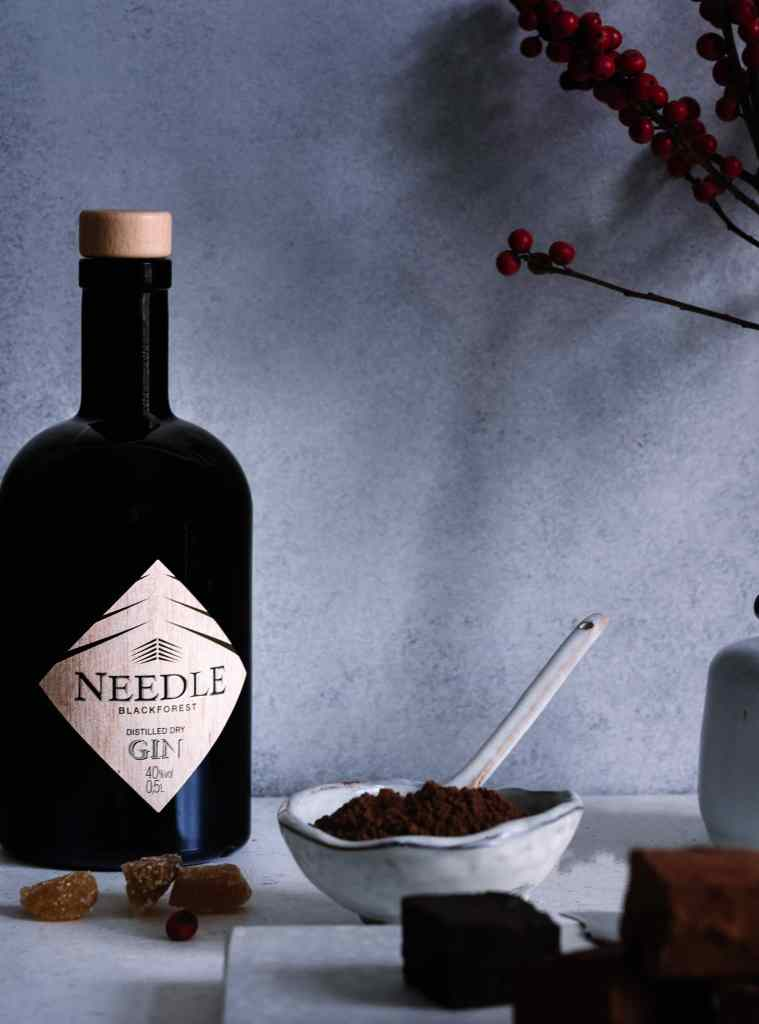Needle Gin Flasche