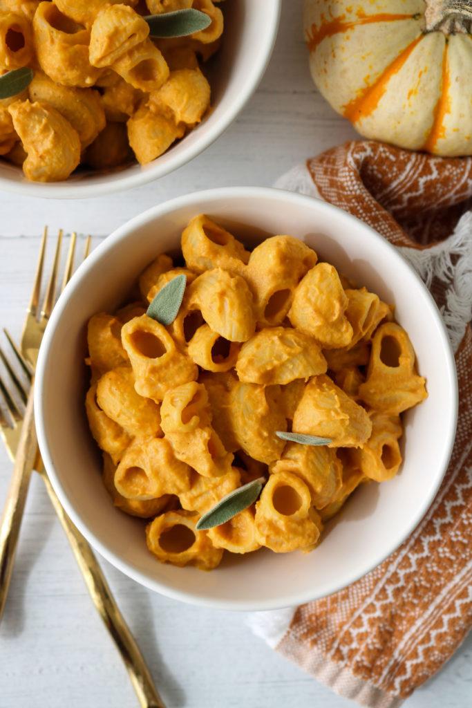 vegan pumpkin mac & cheese