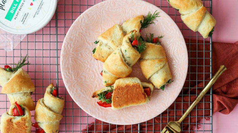 Spinach and Pepper Vegan Breakfast Croissants Recipe