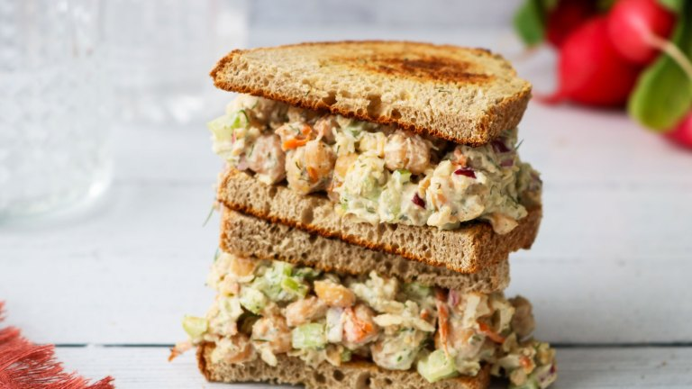 Lemon & Dill Vegan Chickpea Salad Sandwich Recipe