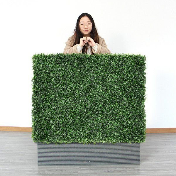 stand by synthetic boxwood planter