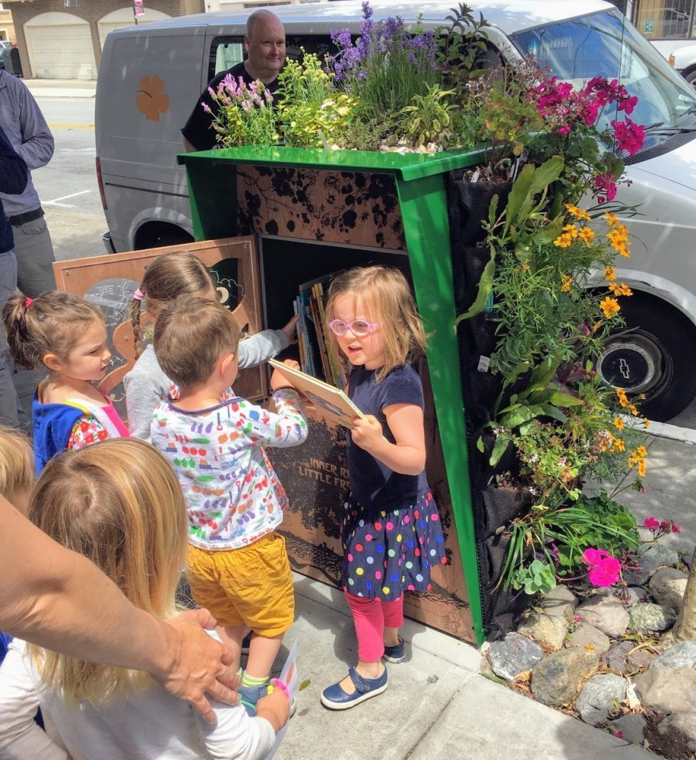 San Francisco Inner Richmond Little Free Library by Alec Hawley.