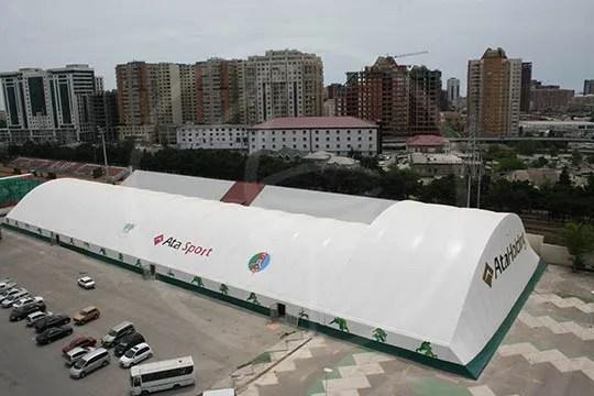 Zeltkonstruktion aus BSH 100x30 + 42x22 m