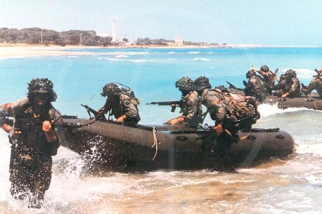 Embarcation pneumatique démontable de 4,80 mètres Bataillon San Marco