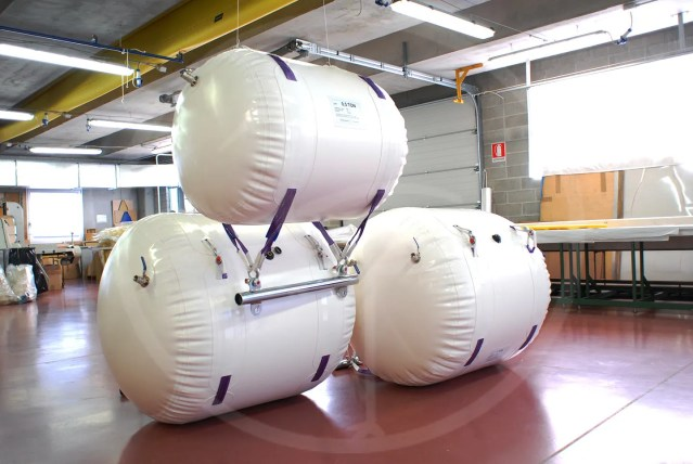 1 m³ air-tight lift balloons