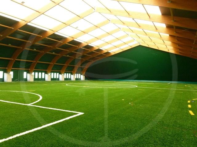 Holzkonstruktion für 4 Fußballfelder